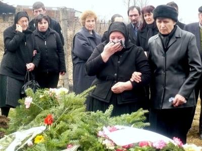 A gyászoló család