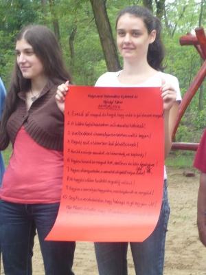 Közösen olvastuk a tábori 10 szabályt