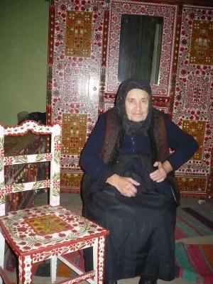 Bútorfestő Malmos Kati munkái között