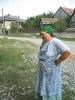 A 2008-as esztendő képei :: Kati néni beszélget a tibolddaróci lányokkal (aug.18.)