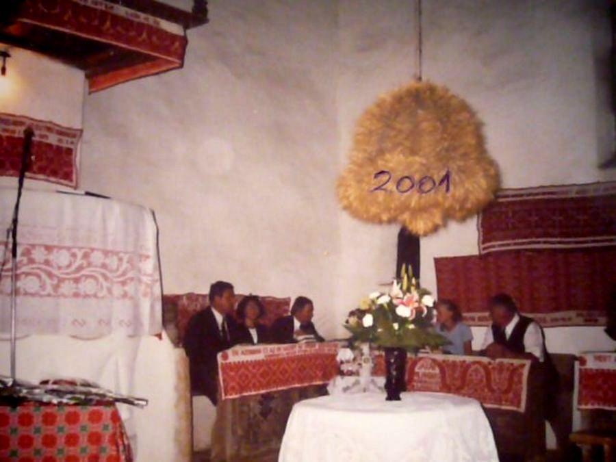Czira unokatestvérek az ősi templomban
