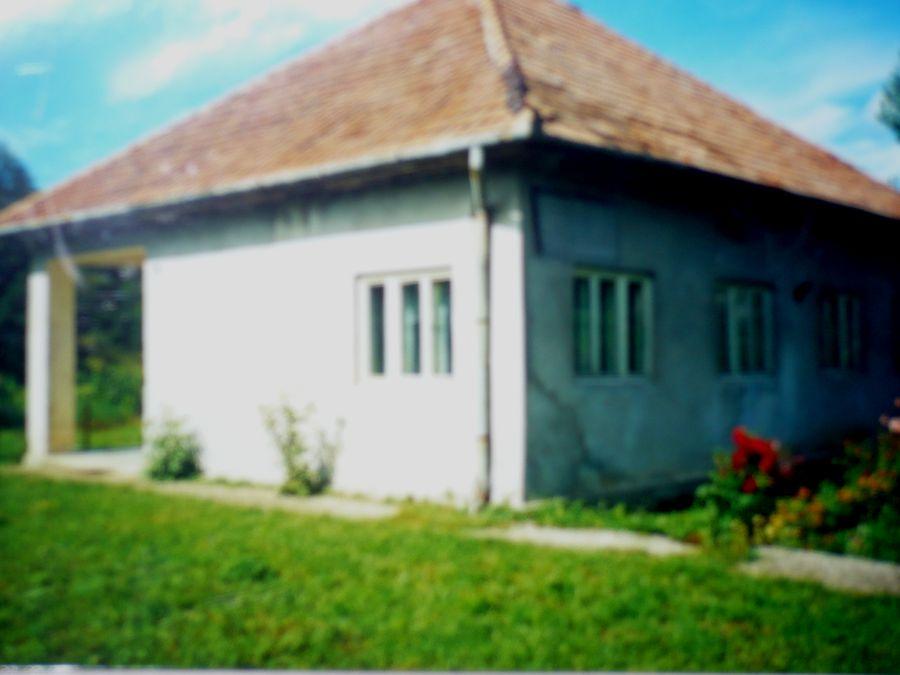 Az egykori iskola épülete