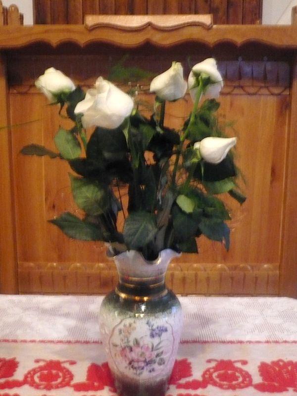 Ünnepi virágdísz